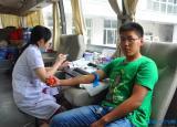 安徽理工大学学生处组织学子参与义务献血活动