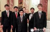 美华裔母亲教出奥数冠军:不赞同美式盲目赞扬