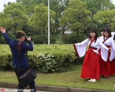 安庆师范大学穿汉服拍个性毕业照 穿越感十足