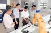 安徽电子工程学校考察芜湖工业机器人产业园