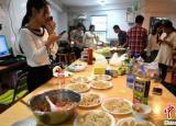 月收入上万 福建农大毕业生开共享厨房受热捧