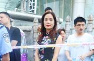 安徽2018高考首日:旗开得胜! 妈妈们身穿旗袍为考生加油