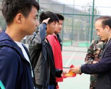 亳州工业学校学生护校队助力学校国防教育暨准军事化管理