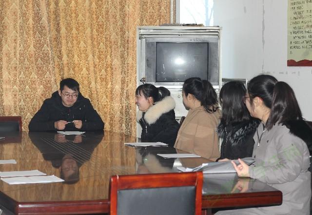 安徽财经大学星星之火实践团队前往砀山县政府了解电商扶贫政策