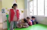 巢湖学院化材学院青协开展清明节系列活动之蓝天幼儿园支教行活动