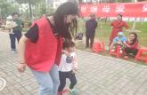 巢湖学院化院青协赴半汤社区开展母亲节文化宣传活动