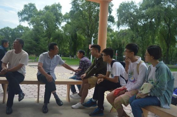 """安徽工业大学:""""六七十岁的年纪,也不会耽误我唱、跳、打篮球"""""""
