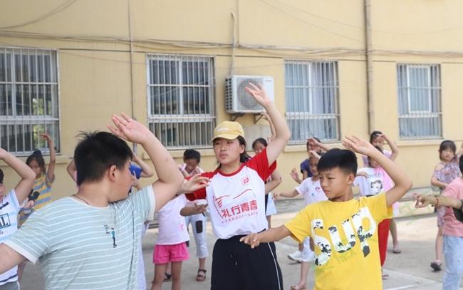 安徽师大赴淮北爱心支教教育札记:让孩子心灵飞扬