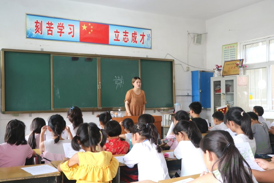 """育蕾之行,声乐相伴:安徽学子赴育蕾小学用音乐""""绘心筑梦"""""""