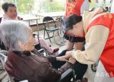 淮南师范学院应用技术学院开展走进敬老院爱心送温暖志愿活动
