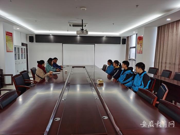 2019年12月5日广德市妇联资助机电学校贫困学生 (3).jpg
