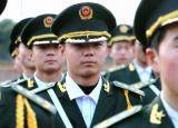 国旗班有了新队服!市教育局助力亳州工业学校军事化管理