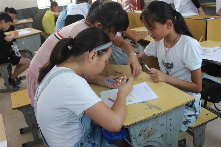 安徽师大学子引传统文化进课堂:用榜样的力量鼓舞人