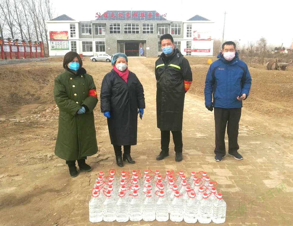 亳州谯城区华佗镇退役军人捐助一线 筑起防控战疫第一关