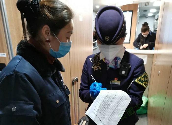 亳州幼师附属幼儿园家长:争做时代先锋 传递大爱力量