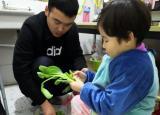 亳州幼师附属幼儿园:小厨师显身手 爱劳动知礼仪