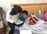 亳州特教学校老师送教上门温暖残疾学生
