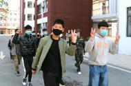 亳州工业学校九年级学生有序返校,迎来复学复教第一天。