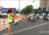 滁州学院党员教师志愿服务队亮相滁州街头