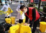 宿州应用技术学校党员志愿者绘出校园一抹红
