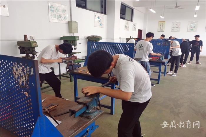 工业学校考核2.jpg