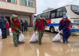 蚌埠学院学子在家乡参加抗洪救灾志愿服务