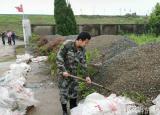 回报家乡贡献力量安庆师范大学青年学生多方位助力抗洪救灾