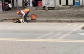 安徽工业大学暑期志愿队参与街道清扫工作