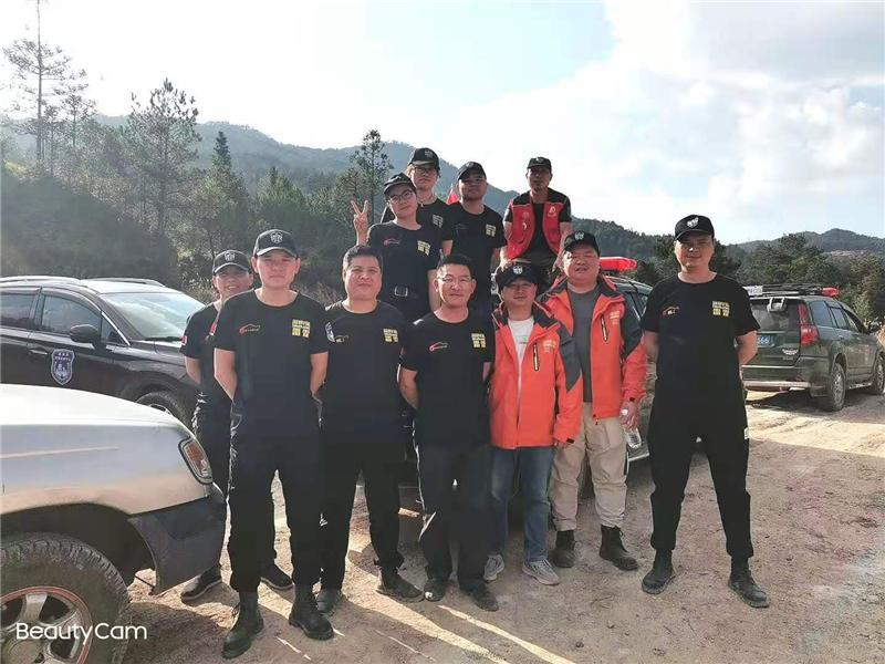 泉州市雷霆救援中心五队在德化道路救援演练