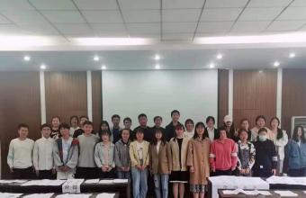 安徽化工学校组织宣墨书法俱乐部书法作品展