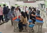 淮南师范学院举办大学生创业基金资助项目路演暨就业创业政策咨询活动