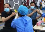 应接尽接铜陵学院17000余名师生完成新冠疫苗第一针接种