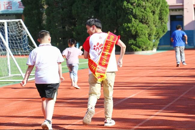 安徽师范大学学子三下乡:向前跑 不要停