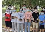 滁州学院赴泗县一米花园实践小分队在泗县府前广场进行暑假实践活动